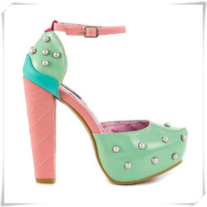 ♡Iron Fist ♡ Lick Me heels in mint